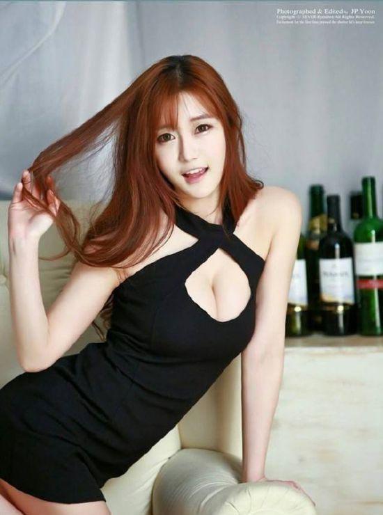 韩国美女主播晒性感旗袍照