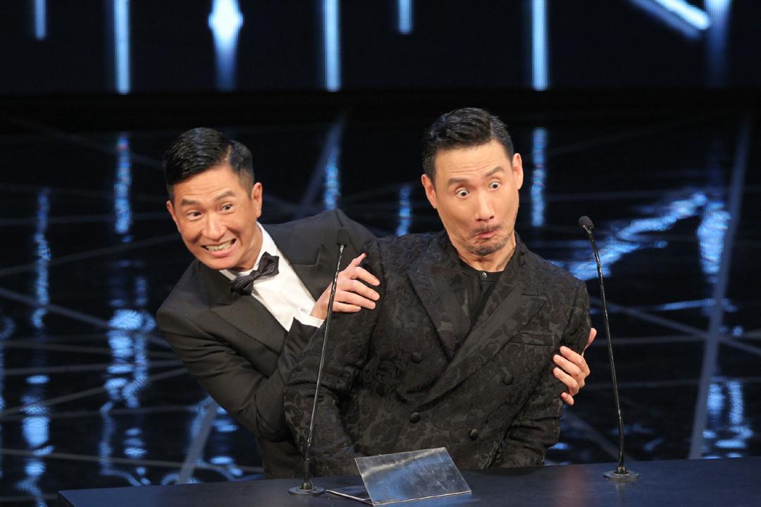 2016年4月3日,香港,第35届香港电影金像奖内场.图为张学友和张家辉.