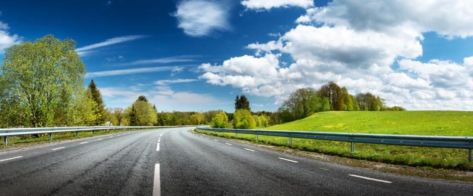 唯美意境的公路风景图片