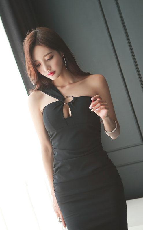 韩国美女模特孙允珠时尚街拍气质美女图片
