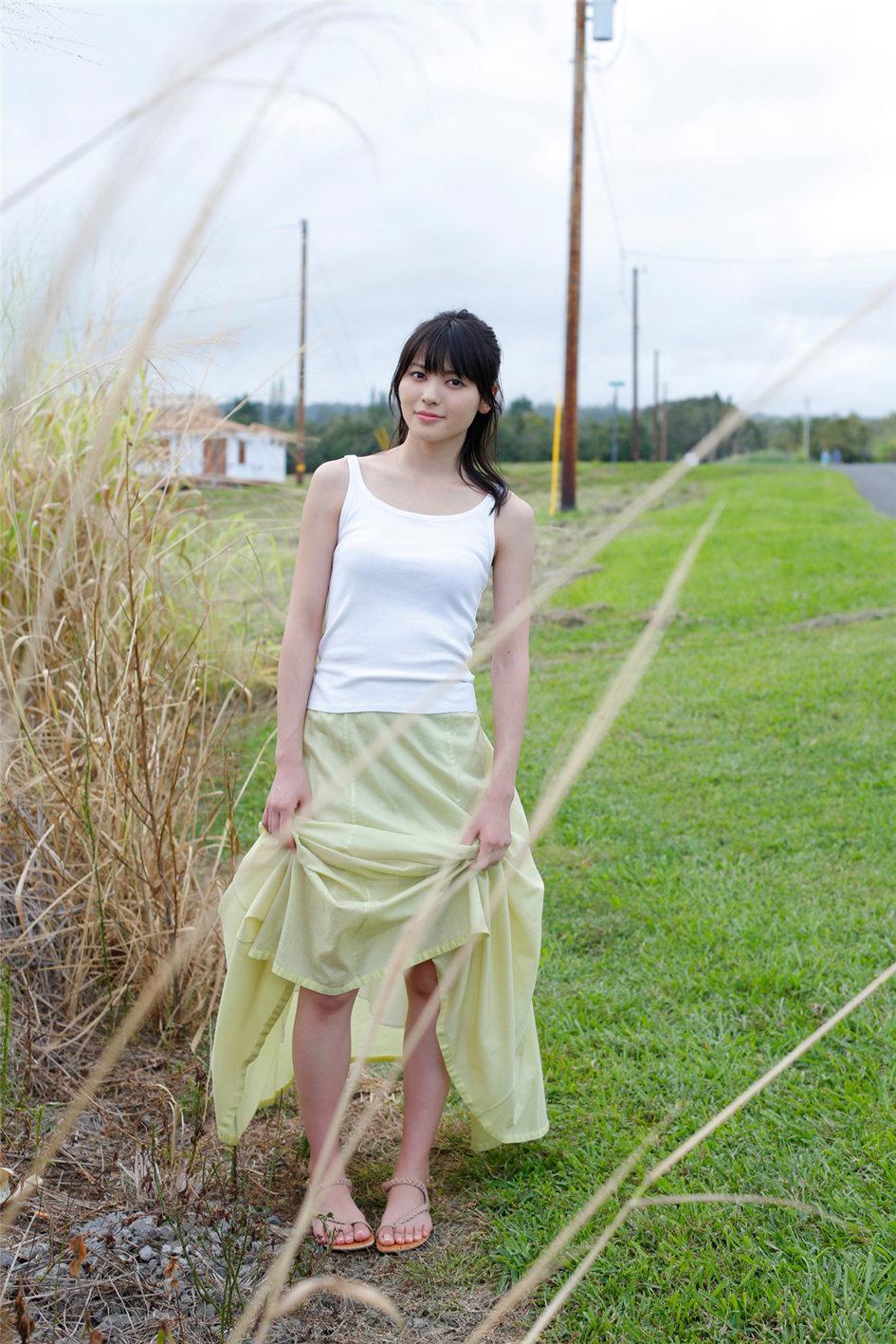 日本长腿美人矢岛舞美长裙写真 如邻家妹妹