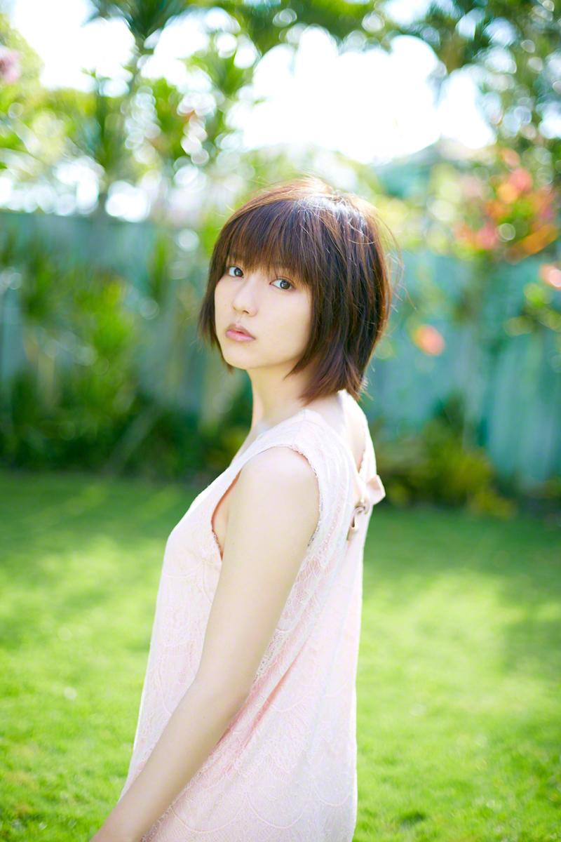 日本清纯美少女真野惠里菜春色写真