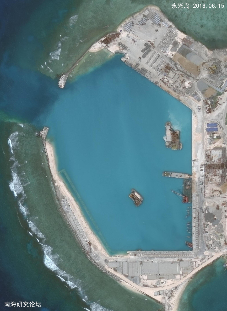 中国南海永兴岛机场的建设记录