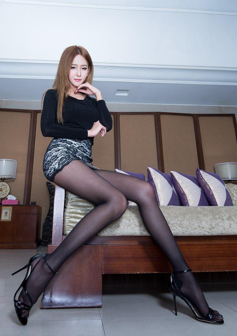 亚洲美腿模特winnie黑丝美腿诱人性感图片第