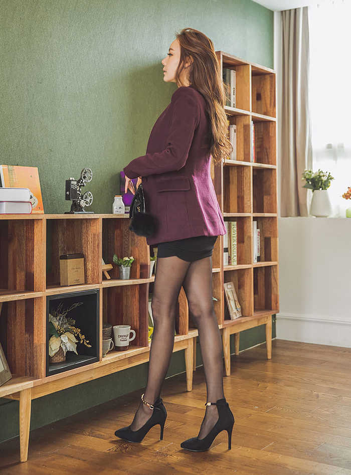 中年色情丝袜_中年大姐穿上职业装和丝袜高跟后,气质大幅提升