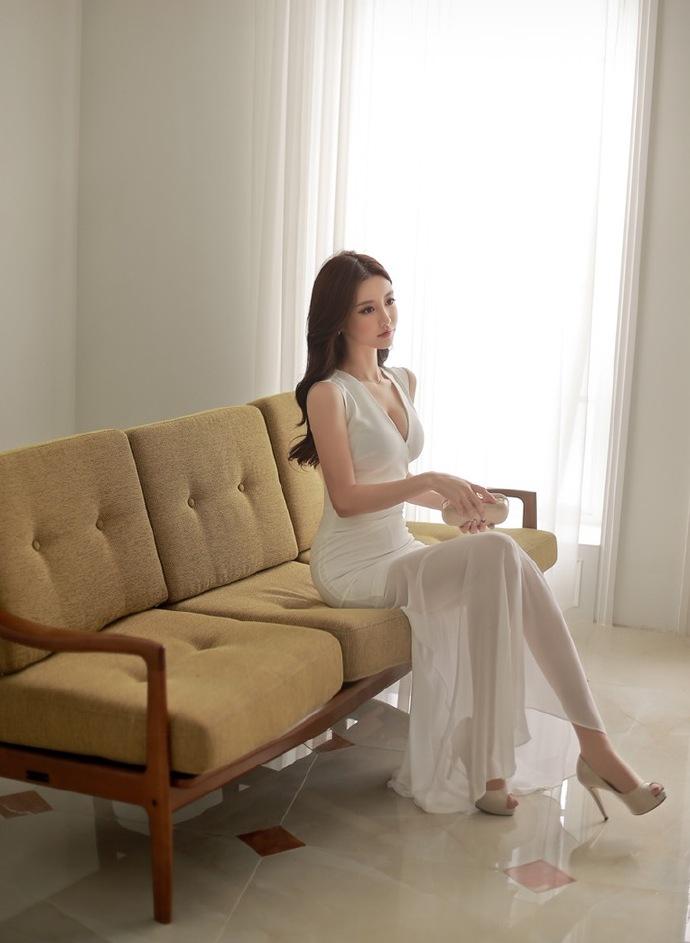 干女秘书50p_长腿女秘书孙允珠肉色丝袜美腿性感诱人图片