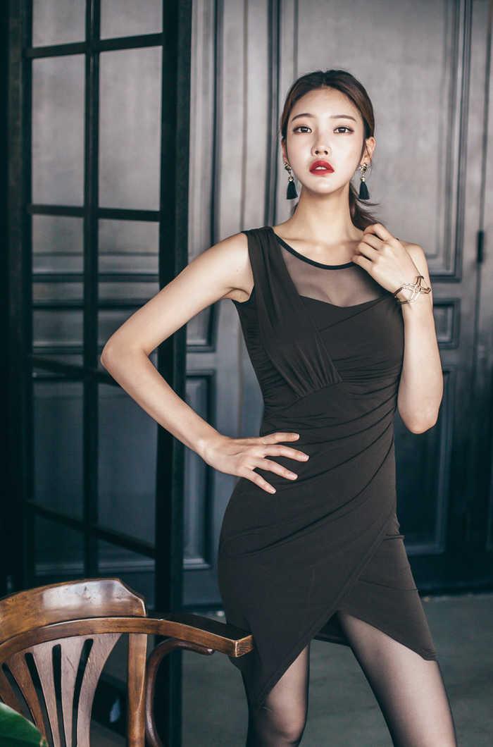 韩国美女模特朴正允超美高跟黑丝_图片新闻_东方头条