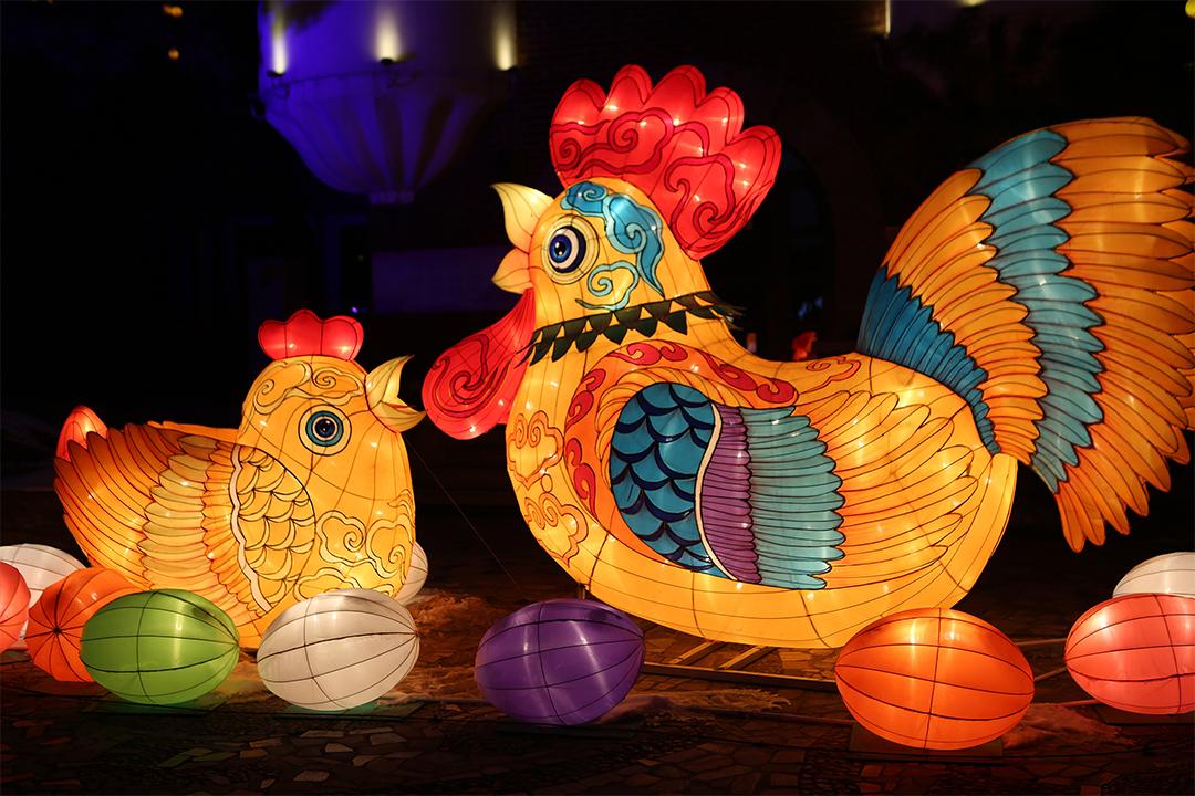 河北秦皇岛,1月20日下午6时,2017年第五届北戴河春节灯会正式亮灯开展