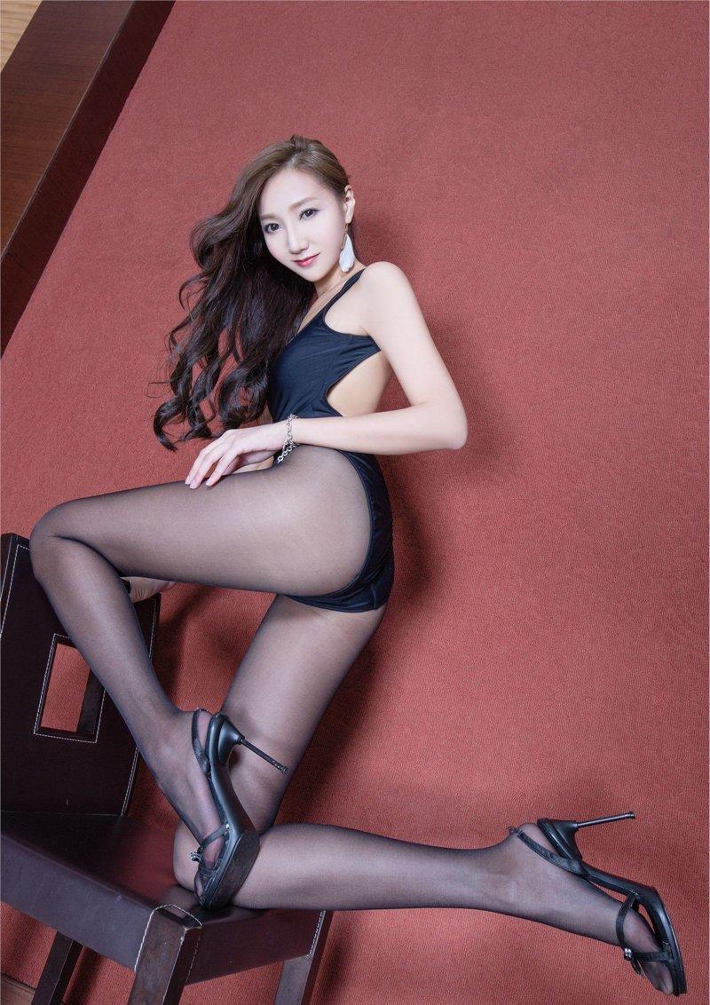 极品少妇被草_极品长腿美女tina性感薄黑丝诱惑写真