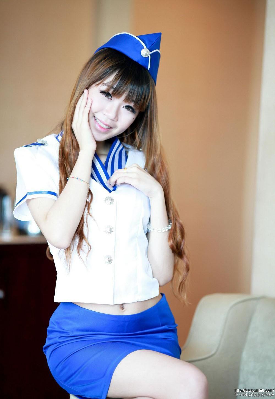 漂亮中国空姐制服美女超大胆�_大胆性感空姐制服美女清纯诱惑私房照
