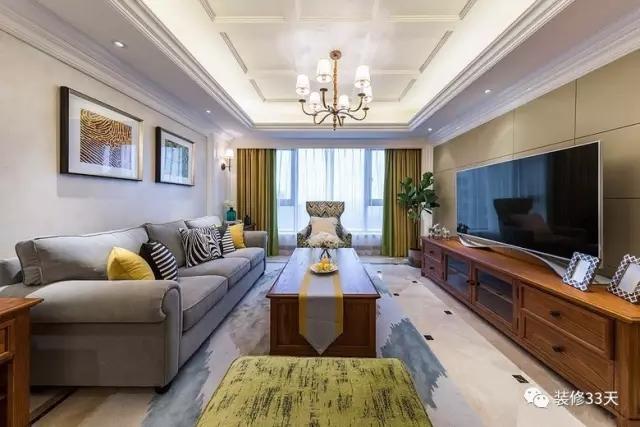改成了简美风格,沙发背景墙纸撕掉,家具全部换成美式家具,灯具,窗帘全