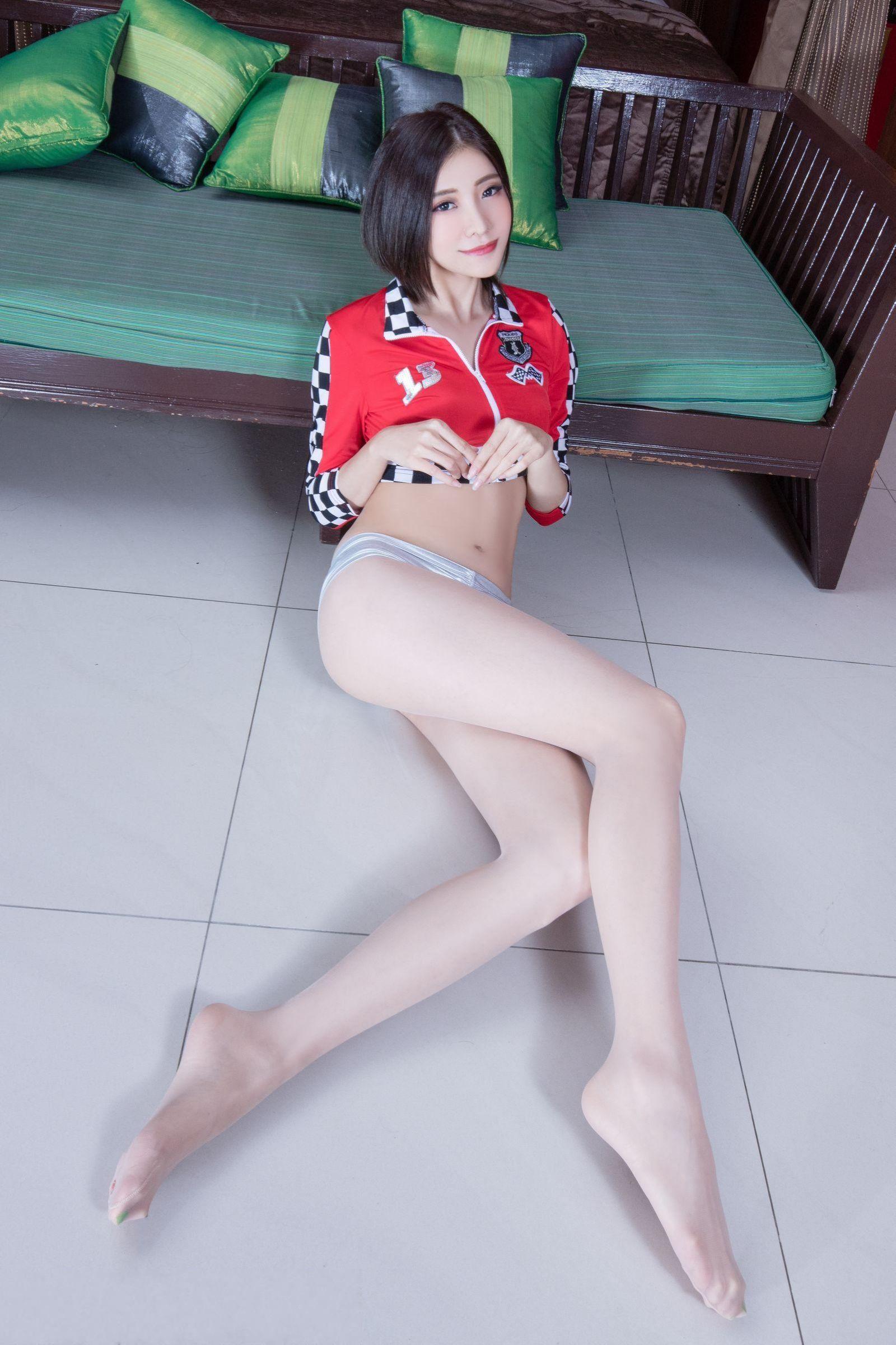 滑丝袜台湾佬_台湾美女abby大胆丝袜美腿性感诱惑写真图片