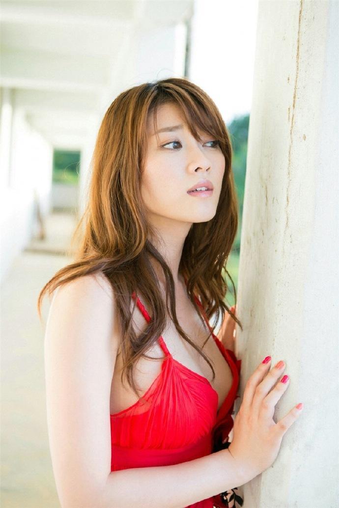 日本华人大但人体_日本性感少妇香艳人体艺术大胆撩人写真