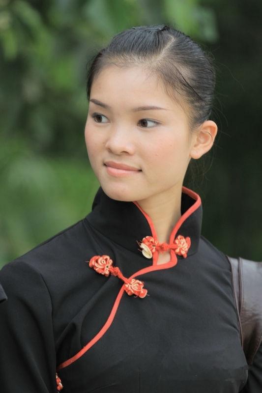 黎族美女图片 中国民族美女图片