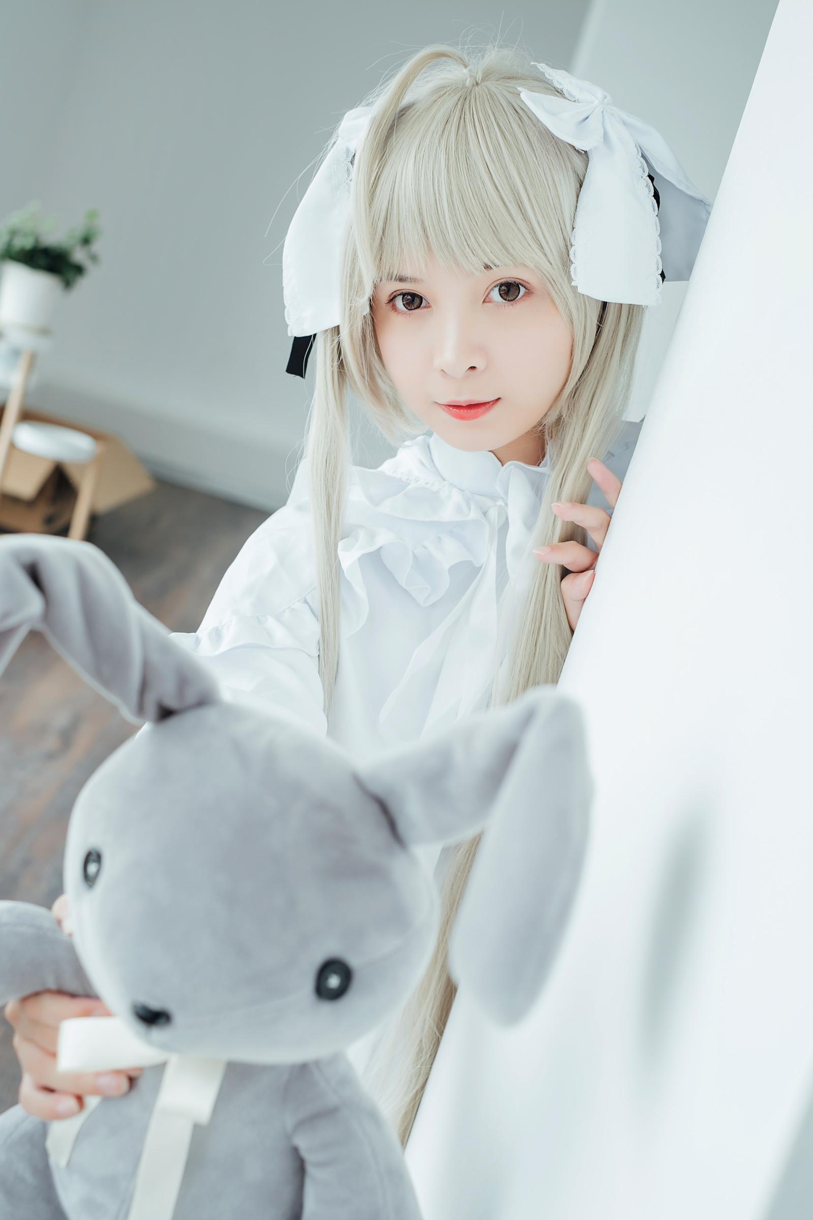 美女萝莉刘丽娜cosplay极品人体艺术写真图