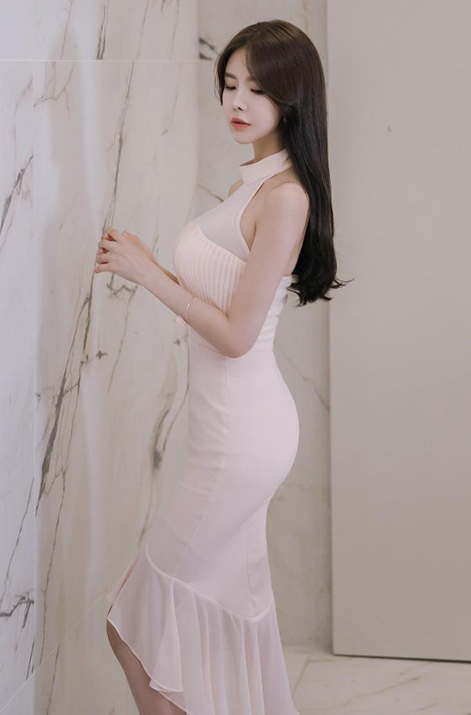 大胸美女骨感身材性感肉丝袜美腿性感图片