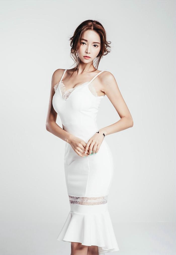 吊带镂空裙美女模特深v爆乳诱惑写真