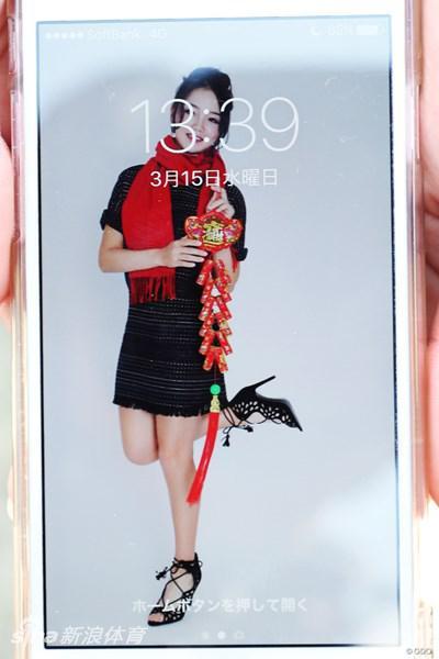 高尔夫美女球员的手机屏保