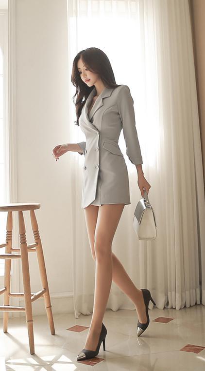 美女模特孙允珠时尚性感职业装丝袜美腿私房