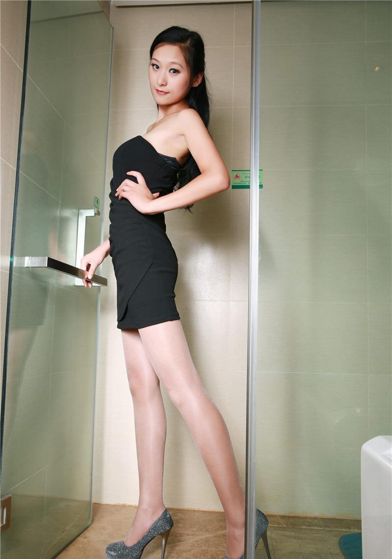 爆操丝袜大奶子_性感丝袜大胸美女爆乳大奶浴缸诱惑写真
