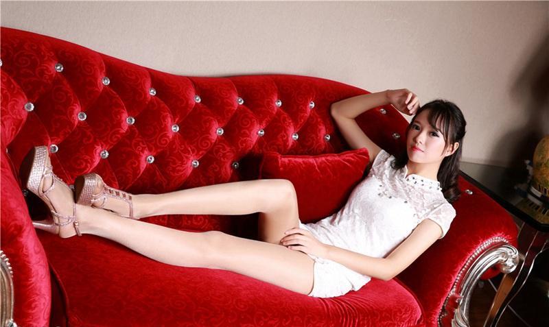 爆操丝袜大奶子_丝袜mm超短裙美腿酥胸大奶诱惑写真图片
