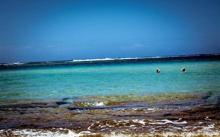 清新海边风景背景图片桌面壁纸