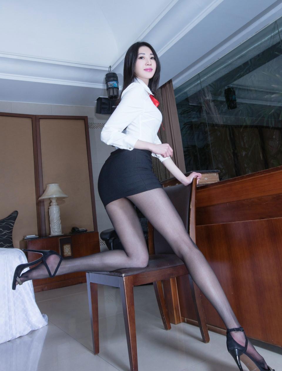 性感美女舞蹈前凸后翘超高制服v舞蹈写真情趣秘书穿情趣跟图片