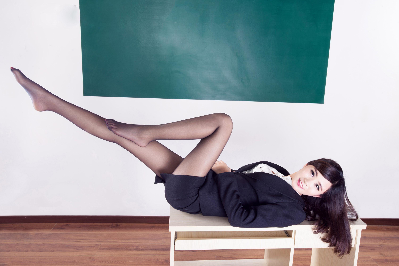 大奶教师_麻辣教师酥胸爆乳大奶黑丝美腿人体艺术性感