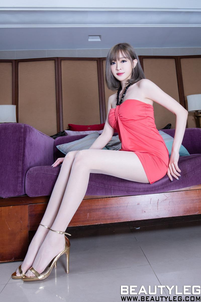 亚州丝袜女_亚洲美女模特lucy丝袜美腿高跟私房写真图片
