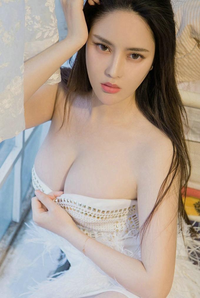 大奶美女婷婷6_大奶美女丰满身材前凸后翘性感诱惑写真