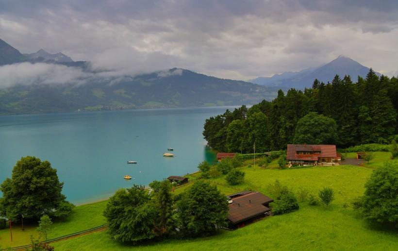 瑞士图恩湖风景图片