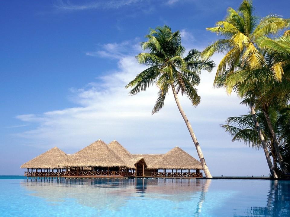热带岛屿海滩风景壁纸(www.5443.com 美女图片第19张)