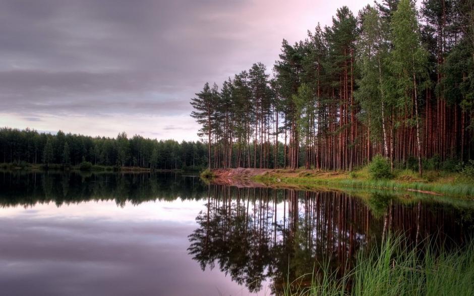 湖水靜態寫真絕美景色高清風景壁紙