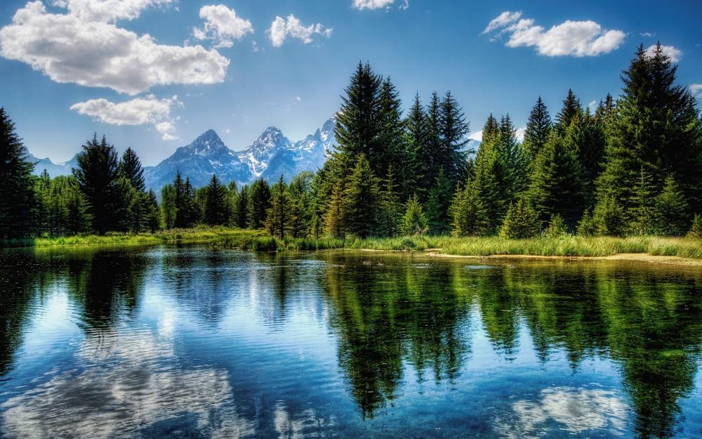 湖面倒影高清桌面壁纸
