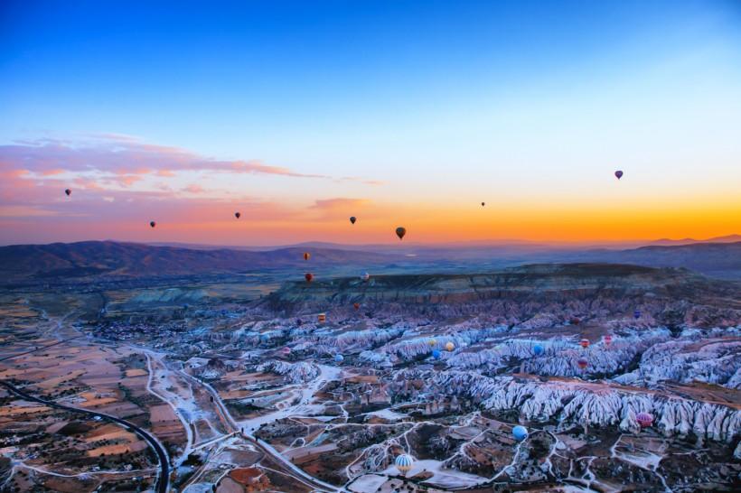 土耳其卡帕多西亚风景图片_图片新闻_东方头条