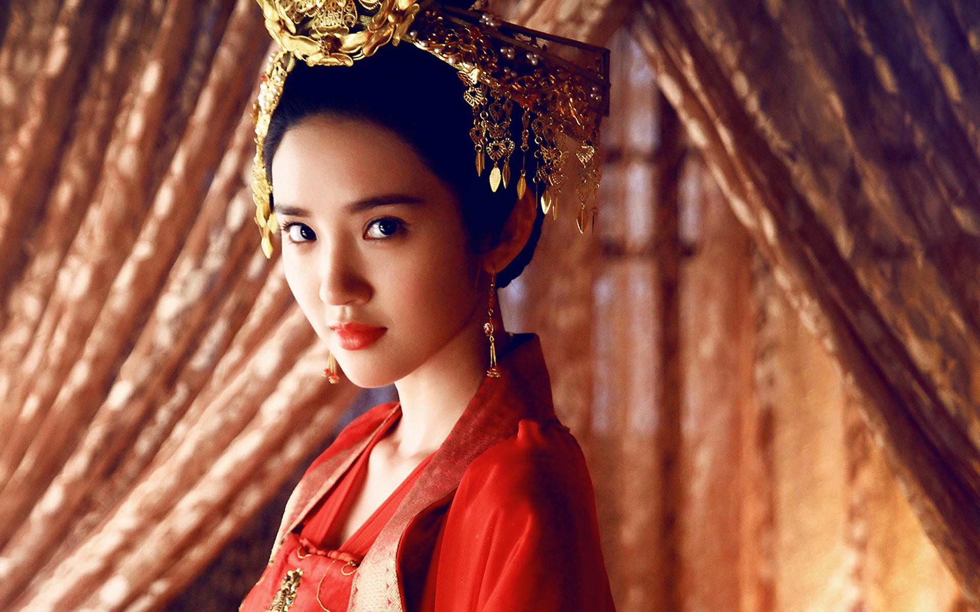 唐艺昕《青丘狐传说》唯美古装海报剧照图片