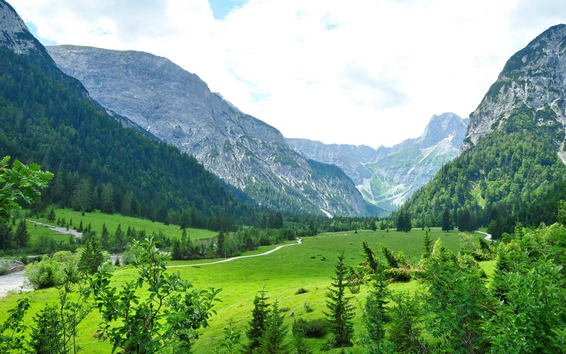 清新绿色自然风景高清桌面壁纸