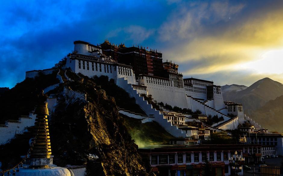 西藏布达拉宫风景壁纸
