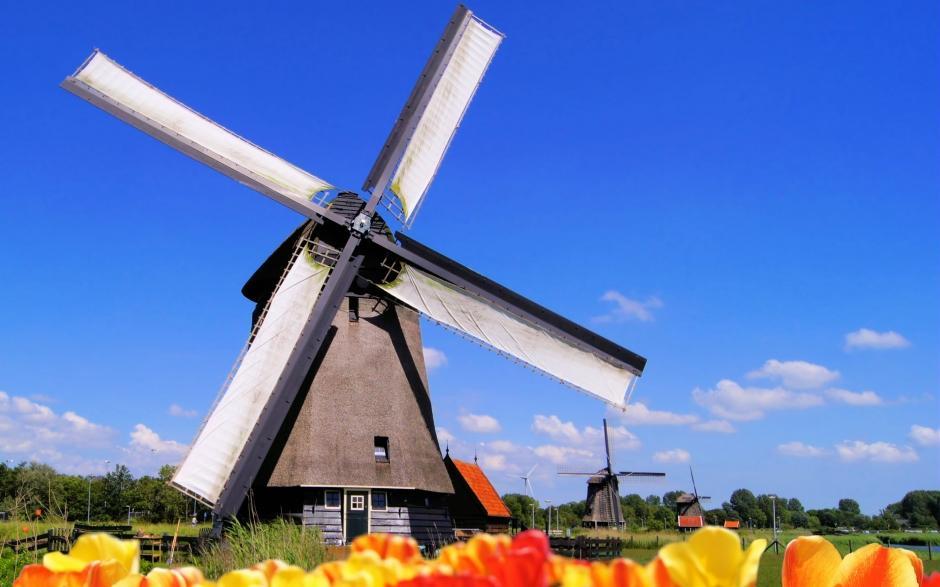 荷兰风车风景高清桌面壁纸
