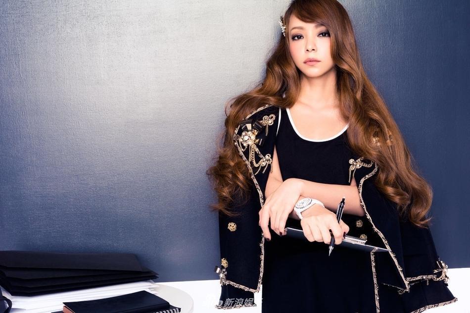组图:安室奈美惠宣布引退 旧照气场强大似女王驾到
