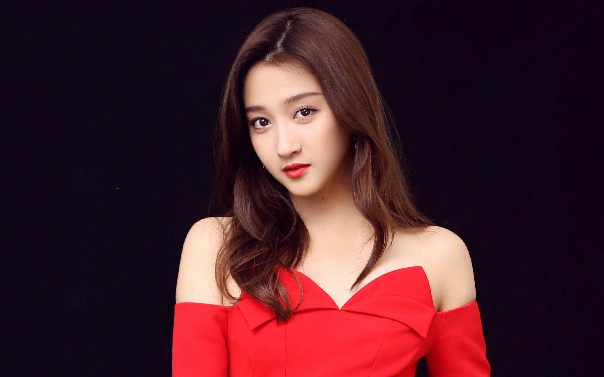 关晓彤红裙最新高清图片桌面壁纸