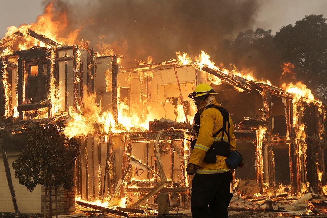 美国加州北部森林大火已造成10人死亡