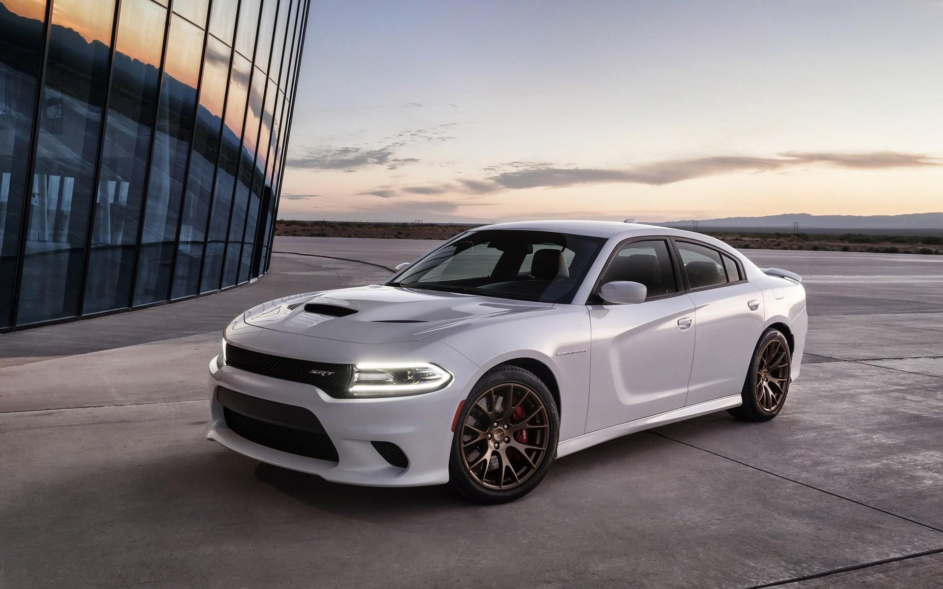 新款时尚的白色道奇汽车壁纸图片 图片图片