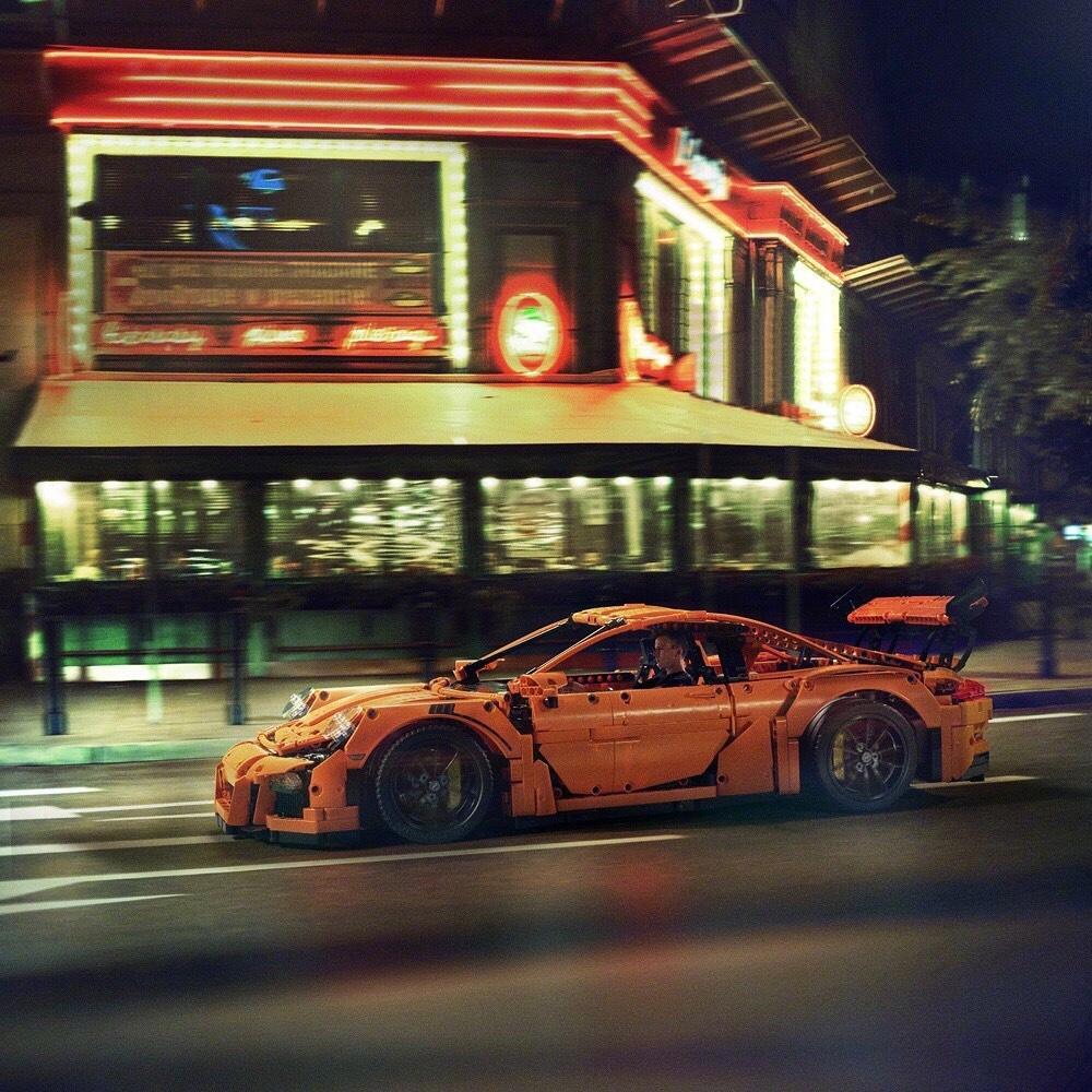 实拍乐高版保时捷911 GT3 RS上街了