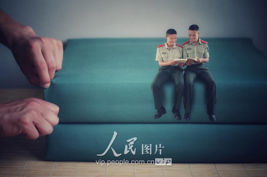 重庆老兵以创意退伍照纪念军旅青春