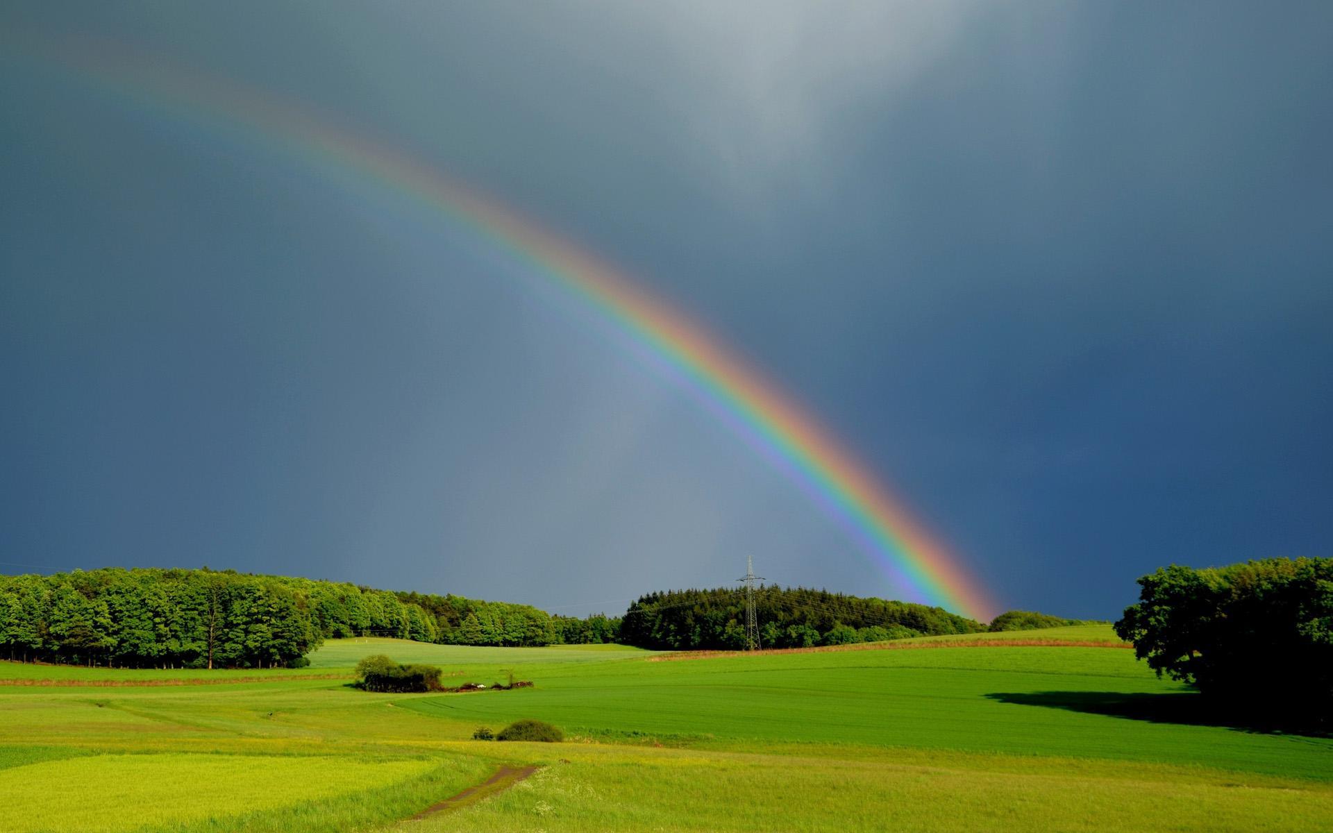 唯美绚丽的彩虹风景图片桌面壁纸