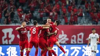 高清:上港3-1亚泰 奥斯卡0度角破门比心庆祝