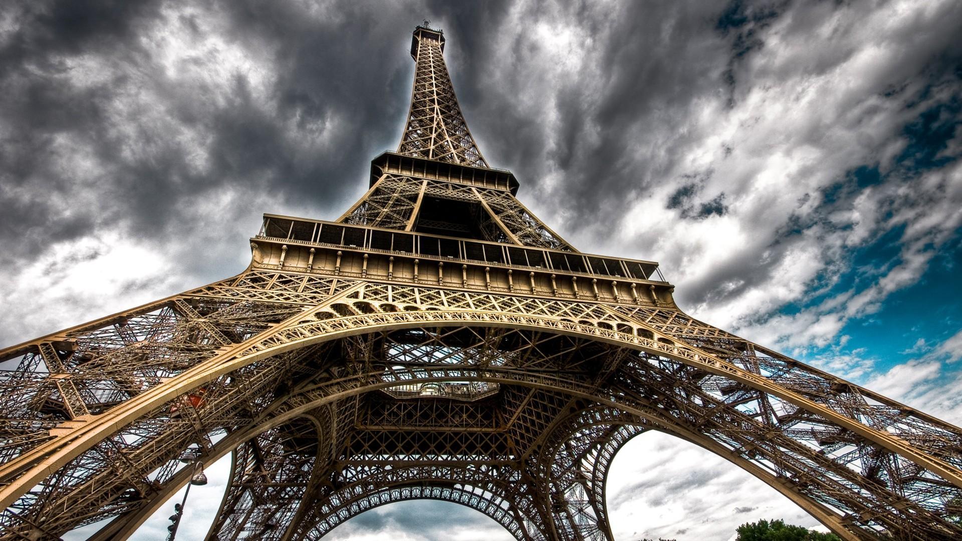埃菲尔铁塔风景图片桌面壁纸