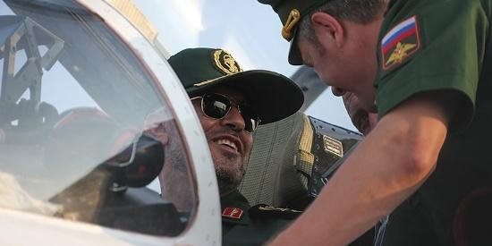 """伊朗航空展上空军家当全亮相 不少""""古董"""""""