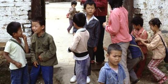 三十多年前条件艰苦的乡村小学
